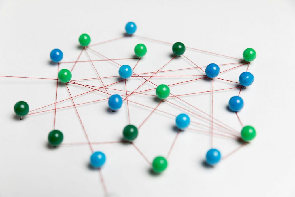 link-communication-with-green-blue-pins